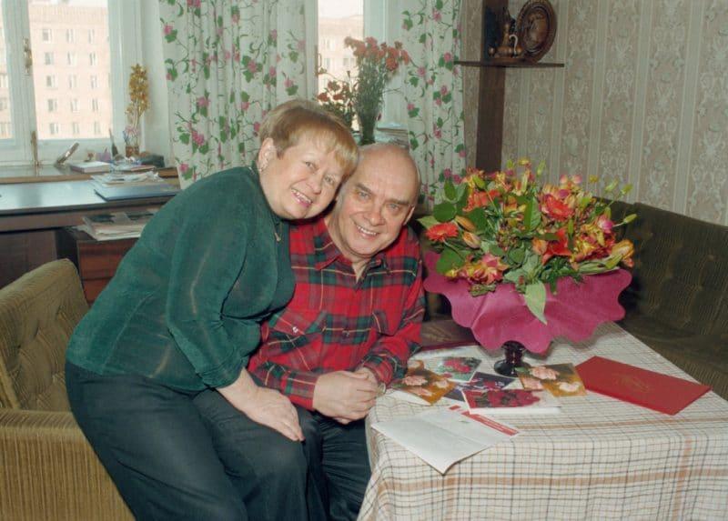 Александра Пахмутова с Николаем Добронравовым