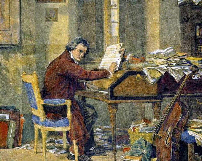 Людвиг ван Бетховен играет на пианино