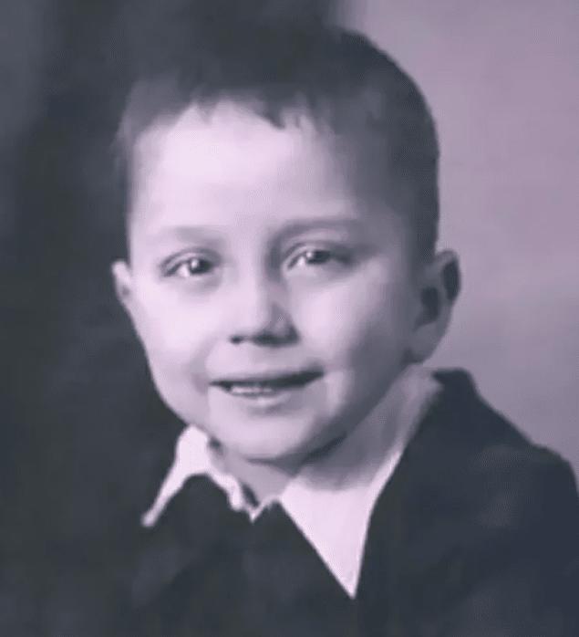 Александр Масляков в детстве