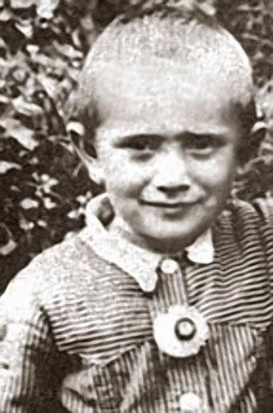 Армен Джигарханян в детстве