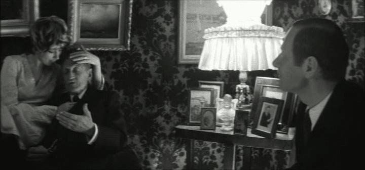 Кадр из фильма Александра Стефановича «Вид на жительство»
