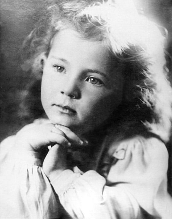 Лариса Рубальская в детстве