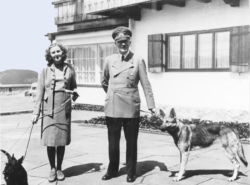Адольф Гитлер с Евой Браун