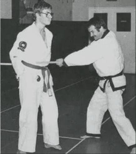 Жан-Клод Ван Дамм в юности на тренеровке