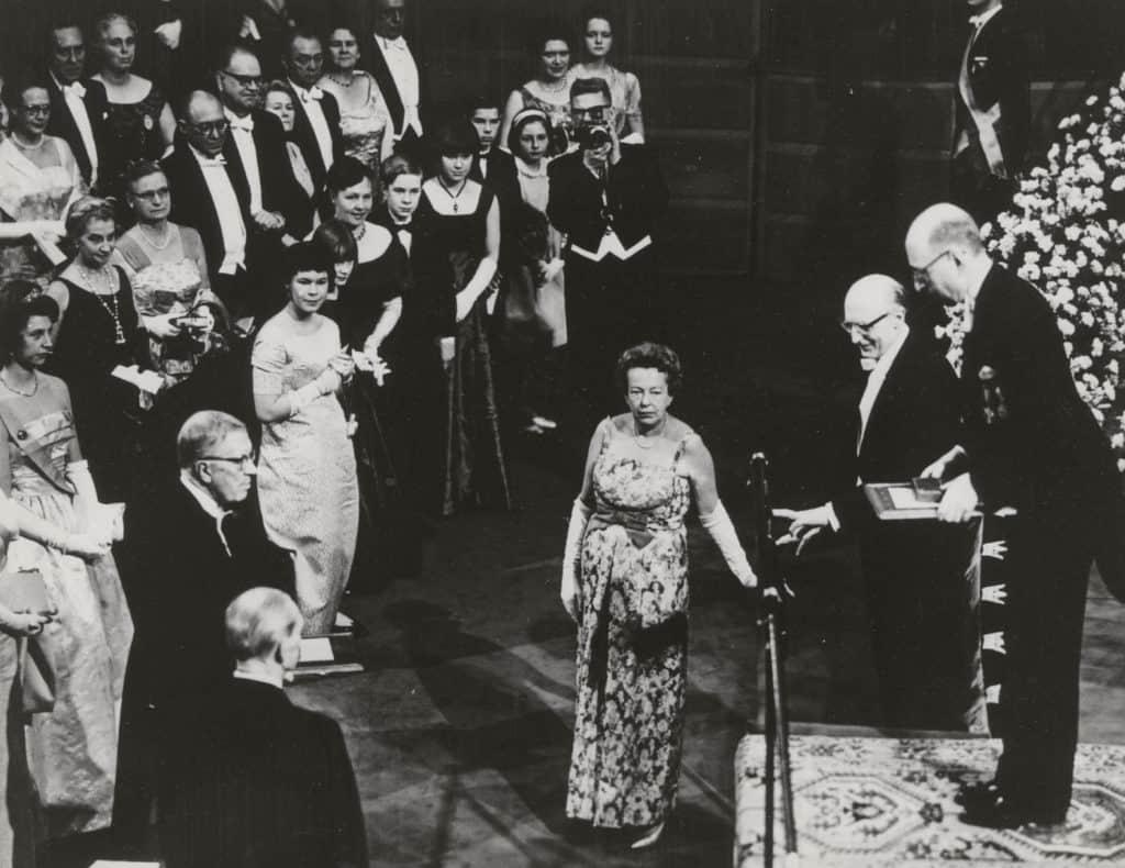 Вручение Нобелевской премии Марие Кюри