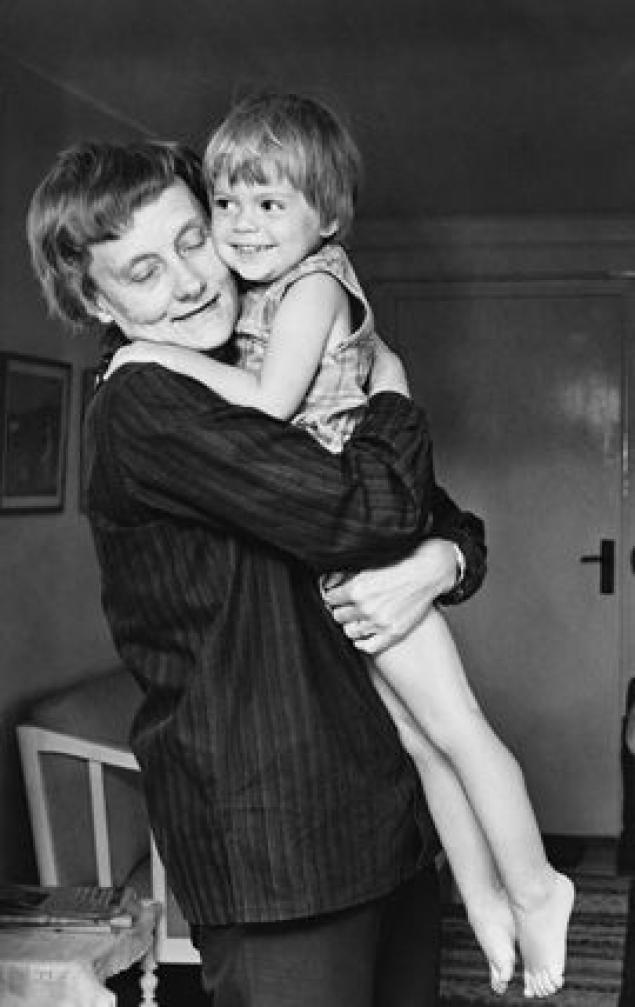 Астрид Линдгрен с дочкой Карен