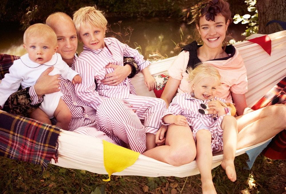 Наталья Водянова с мужем и детьми