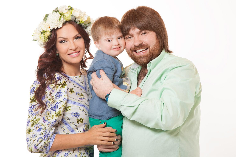 Эвелина Блёданс с семьей
