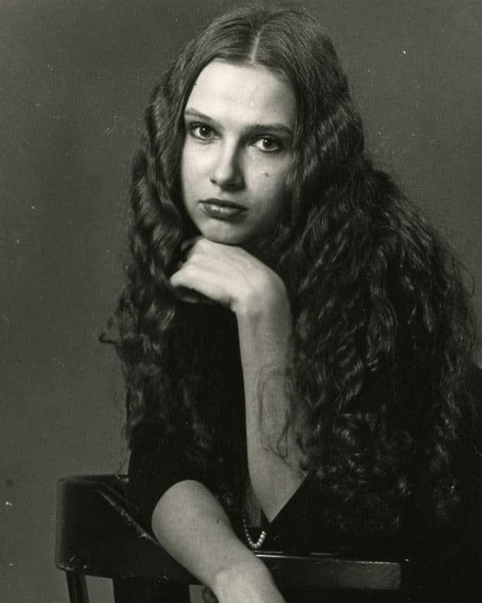 Эвелина Блёданс в юности