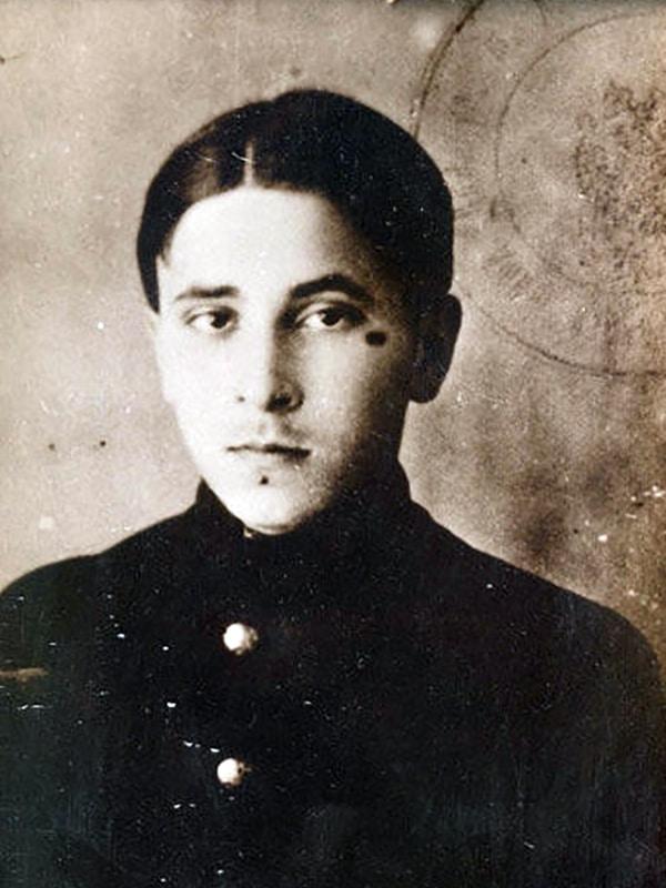 Михаил Зощенко в юности