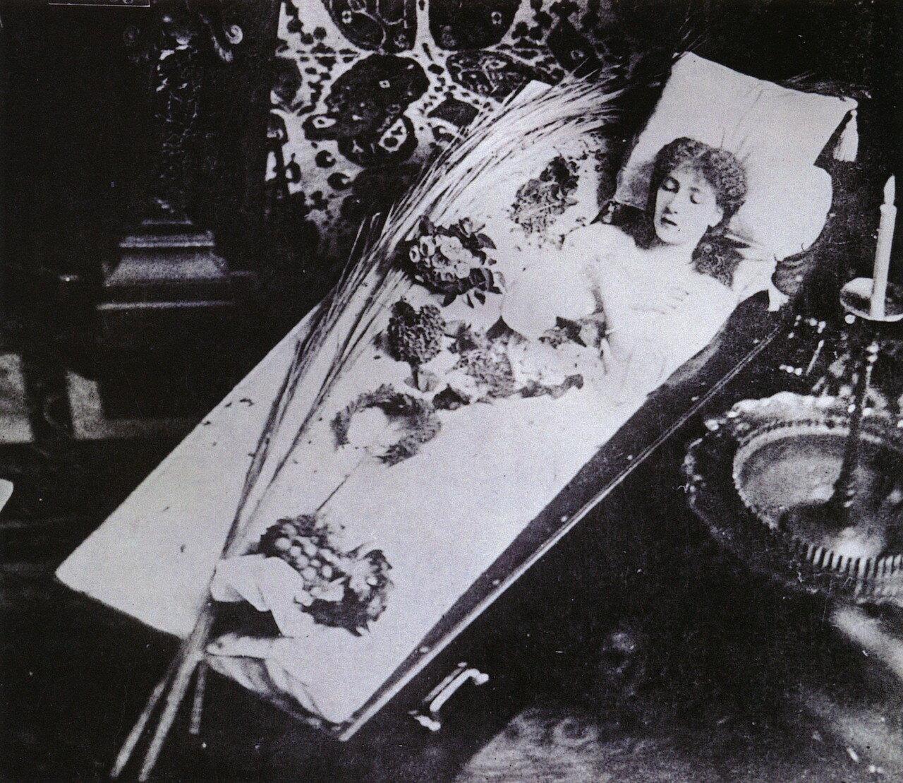 Похороны Айседоры Дункан