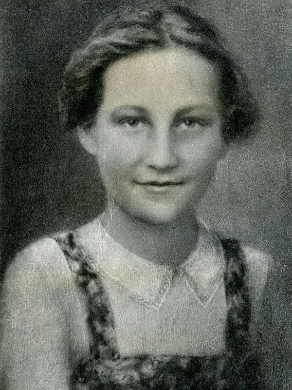 Зоя Космодемьянская в юности