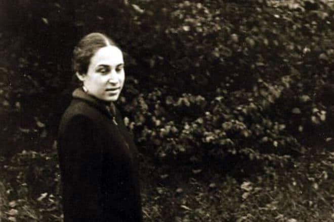 Юнна Мориц в молодости