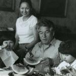 Чингиз Айтматов с семьей