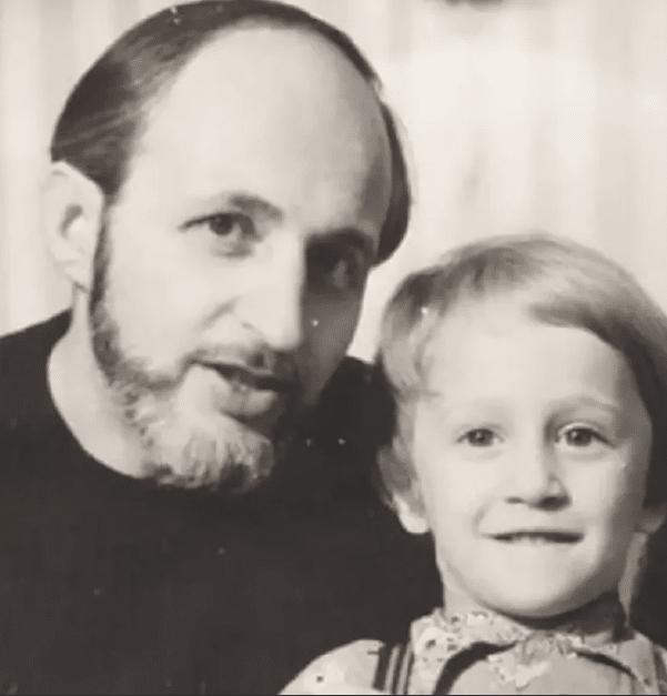 Оскар Кучера в детстве с отцом
