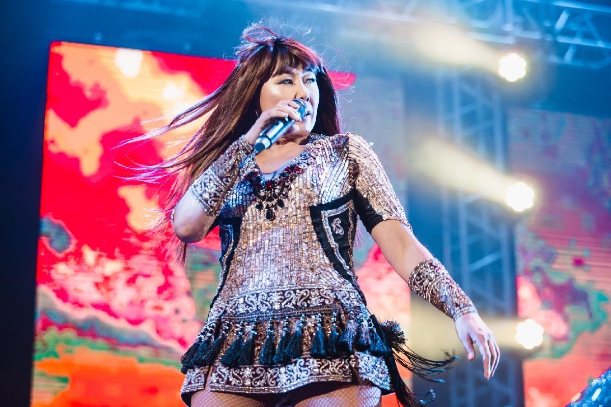 Анита Цой на концерте