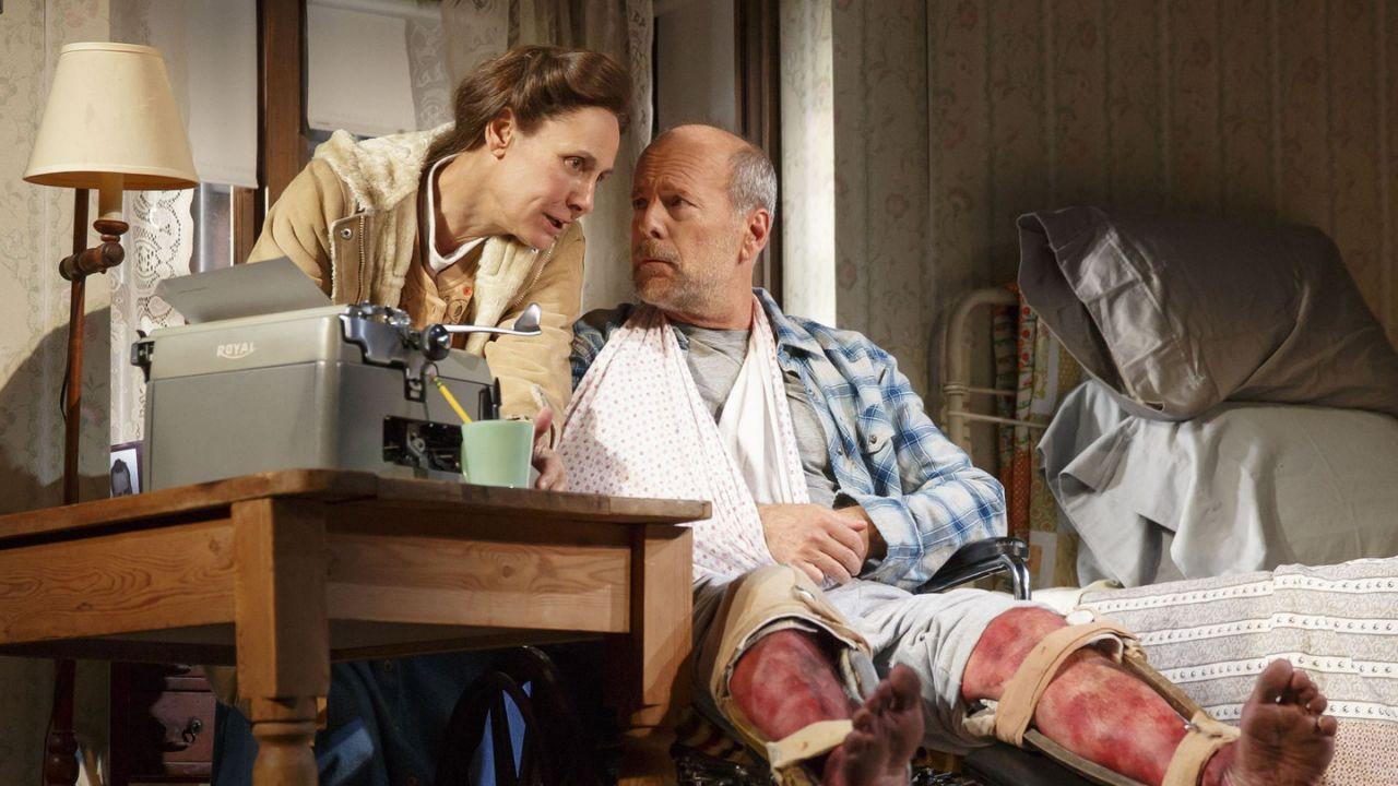 Брюс Уиллис в театральном сектакле «Мизери»