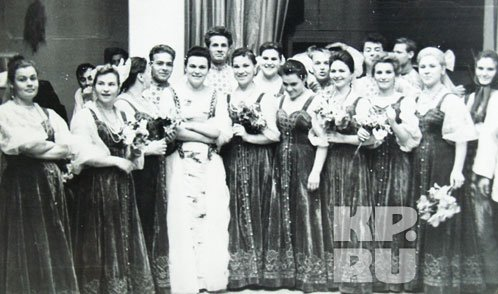 Людмила Зыкина в хоре Пятницкого