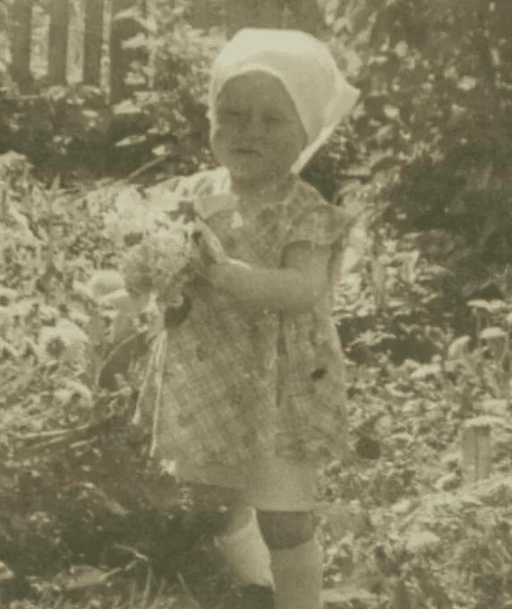 Людмила Зыкина в детстве
