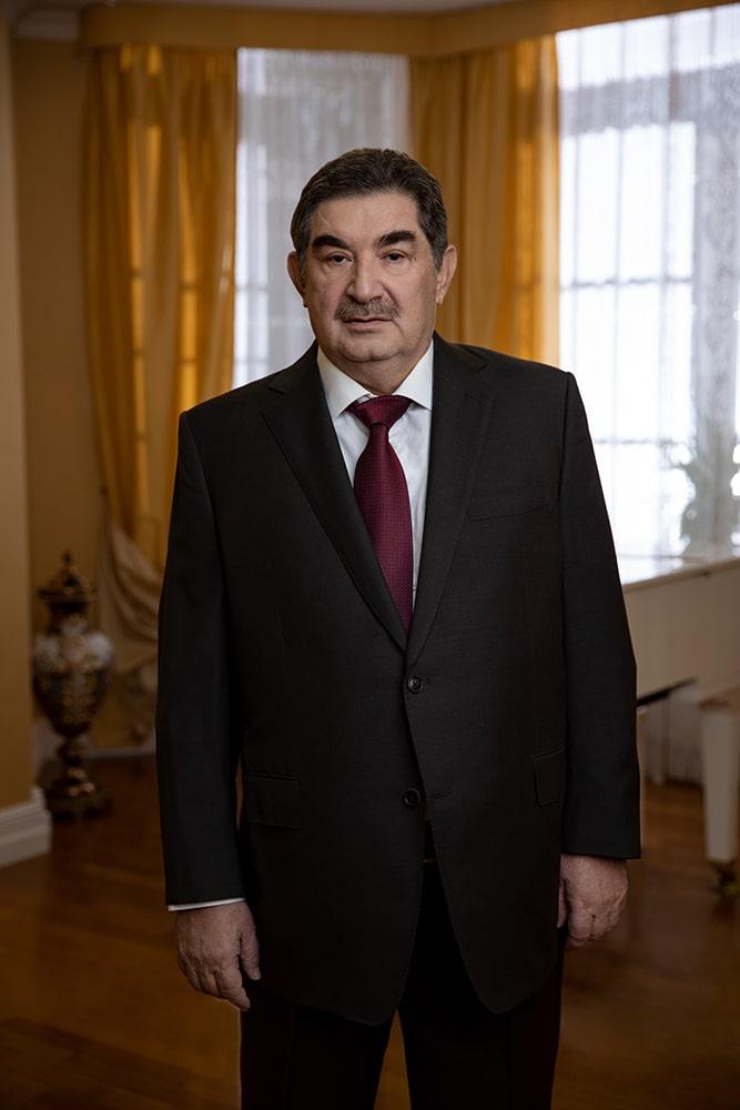 Ключевые моменты биографии Петра Кацыва
