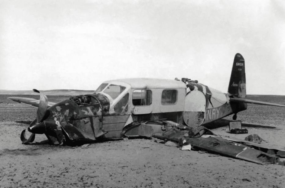 Разбившийся самолет Антуана де Сент-Экзюпери