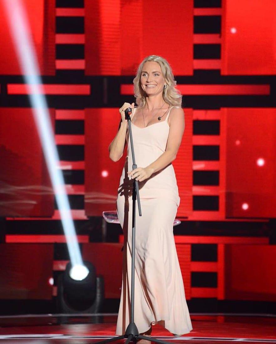 Катя Гордон в шоу Голос