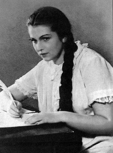 Галина Вишневская в юности