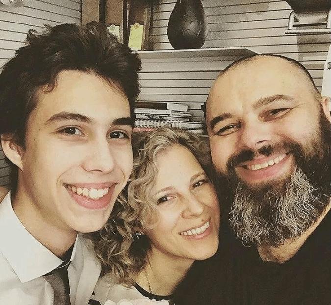 Максим Фадеев с семьей