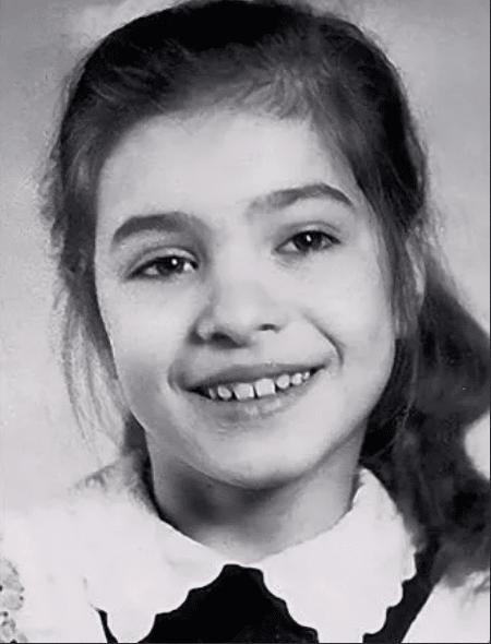 Елена Подкаминская в детстве
