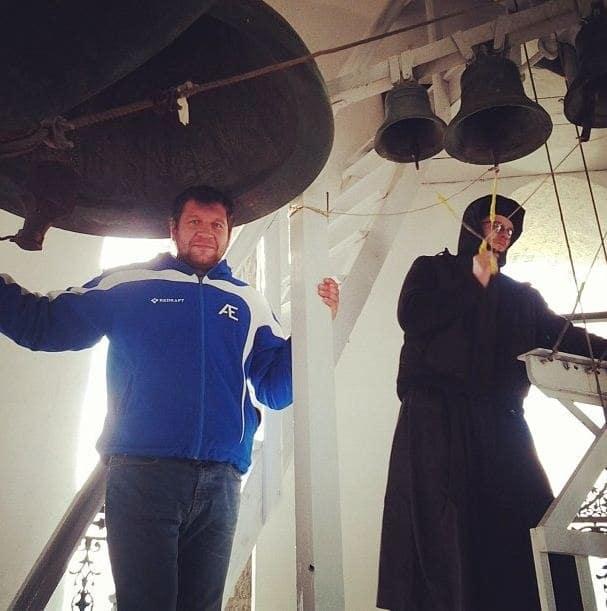 Александр Емельяненко в монастыре