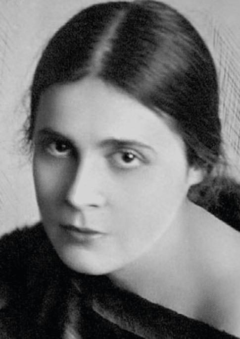 Лиля Юрьевна Брик