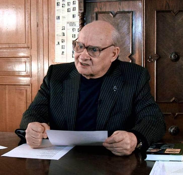 Николай Николаевич Добронравов