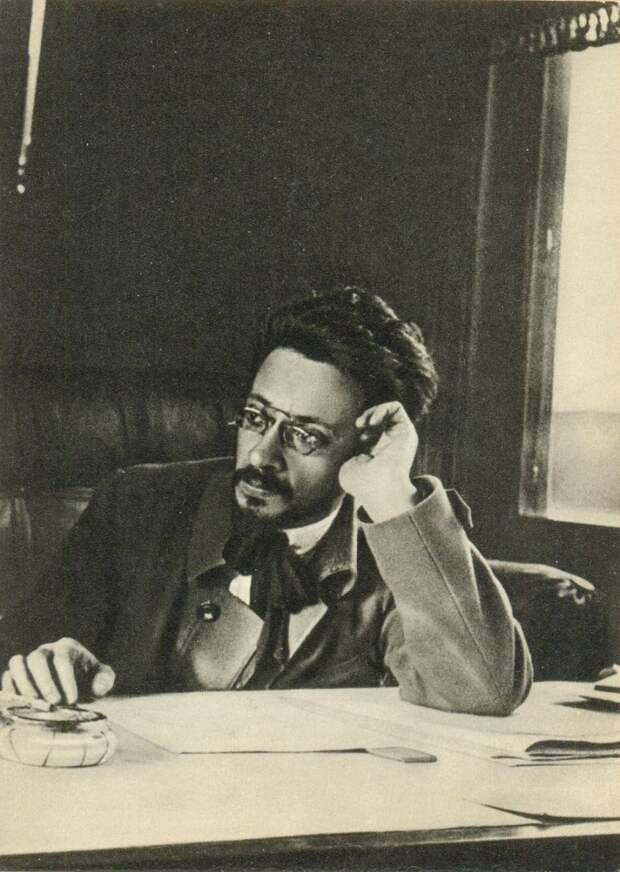 Яков Михайлович Свердлов
