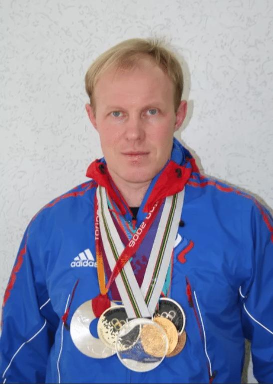 Сергей Чепиков с медалями