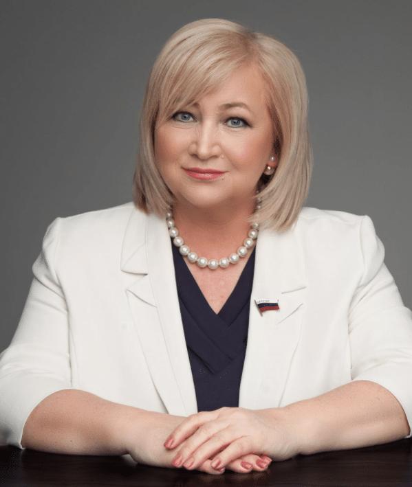 Политик Елена Вторыгина