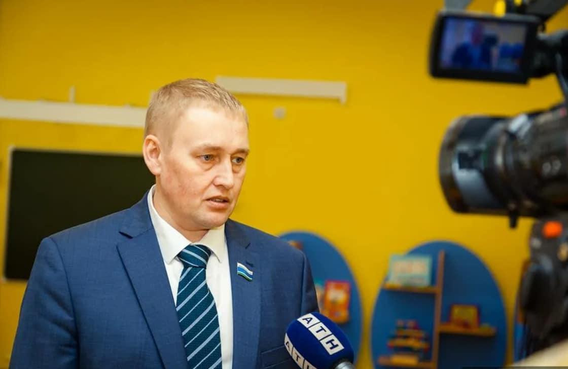 Андрей Альшевских дает интервью СМИ