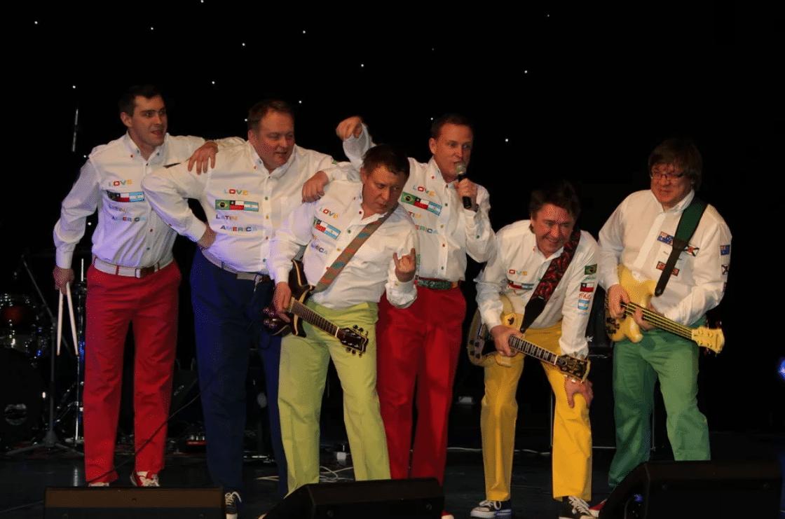 Виктор Рыбин на концерте с группой «Дюна»