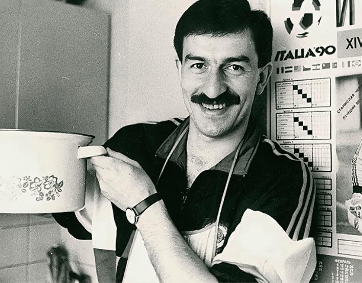 Станислав Саламович Черчесов